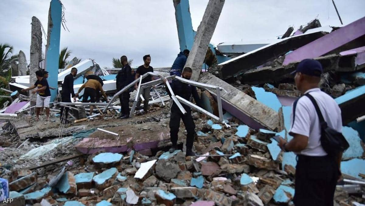 زلزال قوي يضرب إندونيسيا.. سقوط قتلى ومئات المصابين