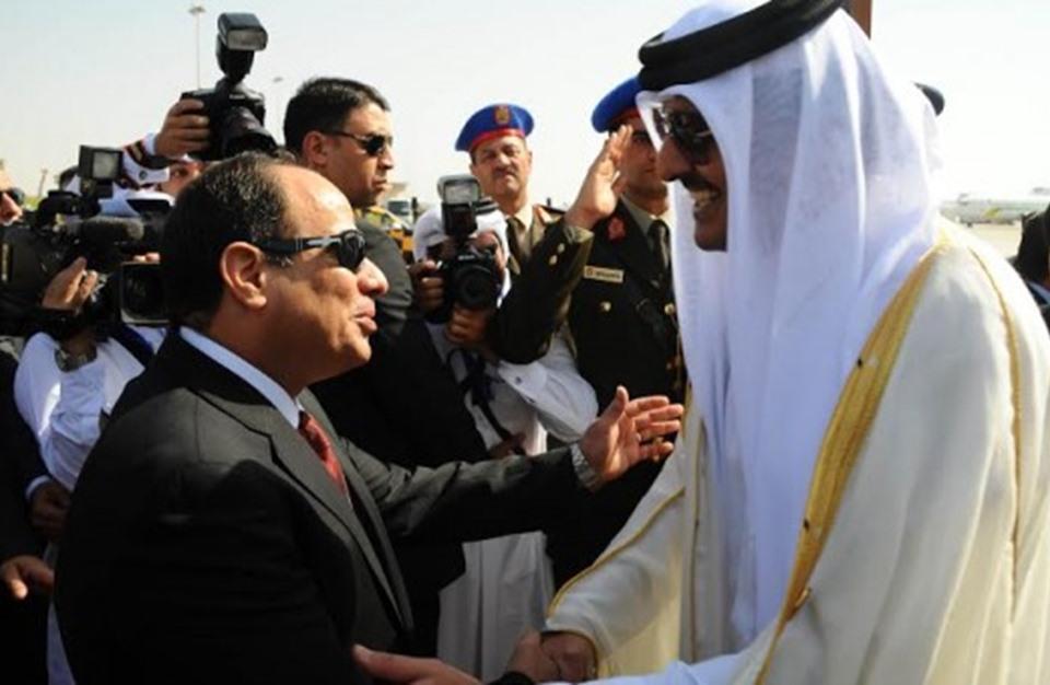 أول اجتماع.. قطر ومصر تبحثان آليات تنفيذ المصالحة