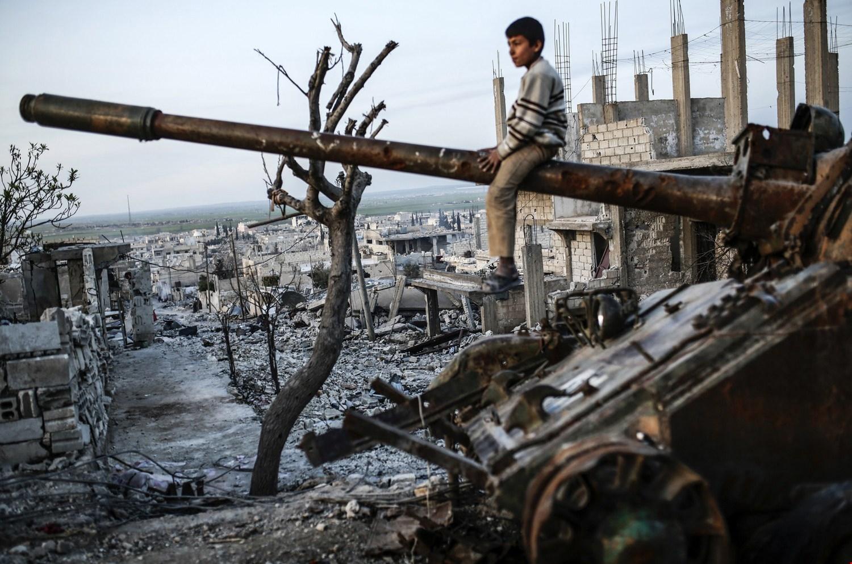 لماذا طال أمد الأزمة السورية؟.. دبلوماسي أوروبي يشرح الأسباب